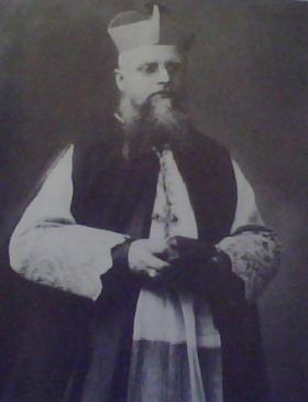 Mons. Cuccarollo in una foto d'epoca
